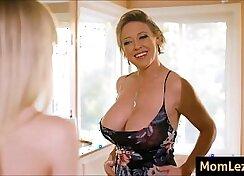 Big boobs hottie pals daughter fucked by mom
