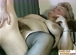 Big Hairy Pussy Is Elested By Huge Dildo. She Gets Jizz All Over