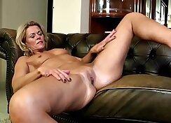Christine Tomas gets a huge load from amazing MILF Odette