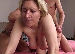 Amateur swinger dads make hardcore porn orgy