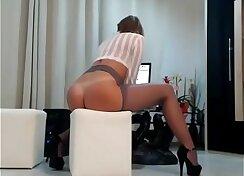 Bigbooty MILF Ladies Panties and Lingerie on Cam