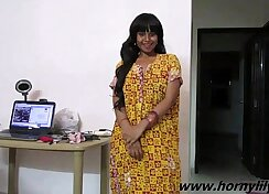 Ardent Indian babe enjoys sex in the kitchen